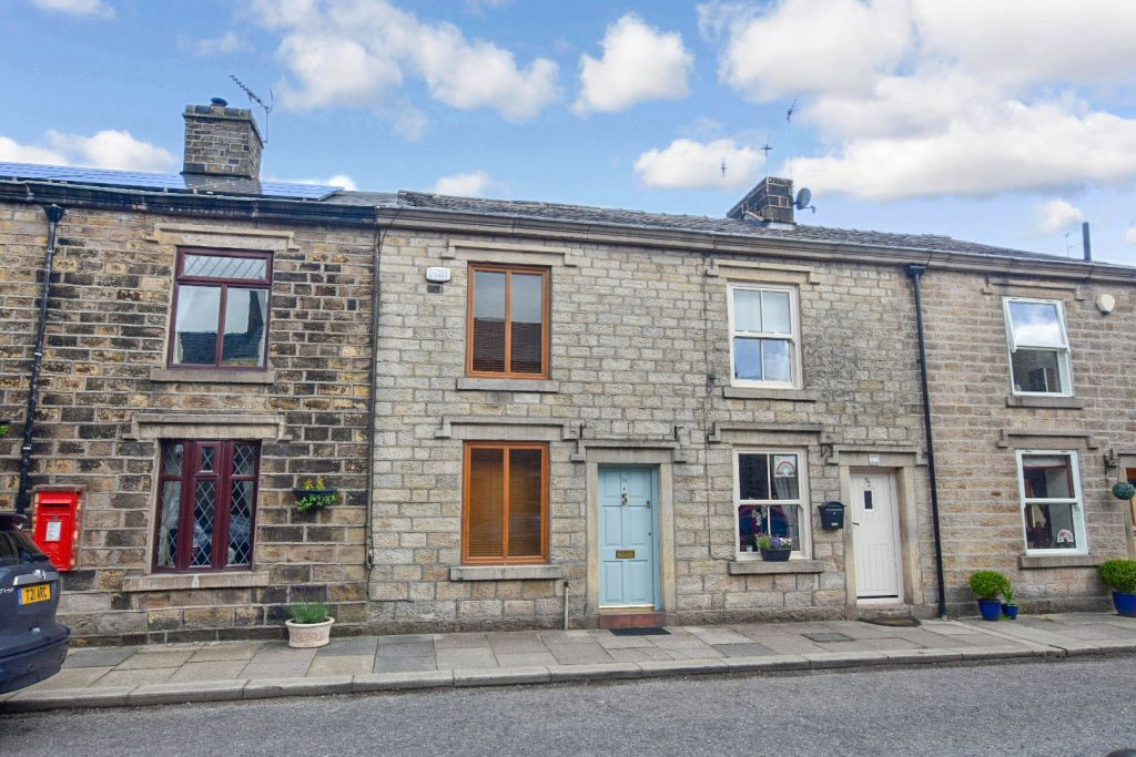 HIGH STREET, CHAPELTOWN, BOLTON, TWO BEDROOMS AND LOFT ROOM, TWO RECEPTIONS ROOMS, NO CHAIN